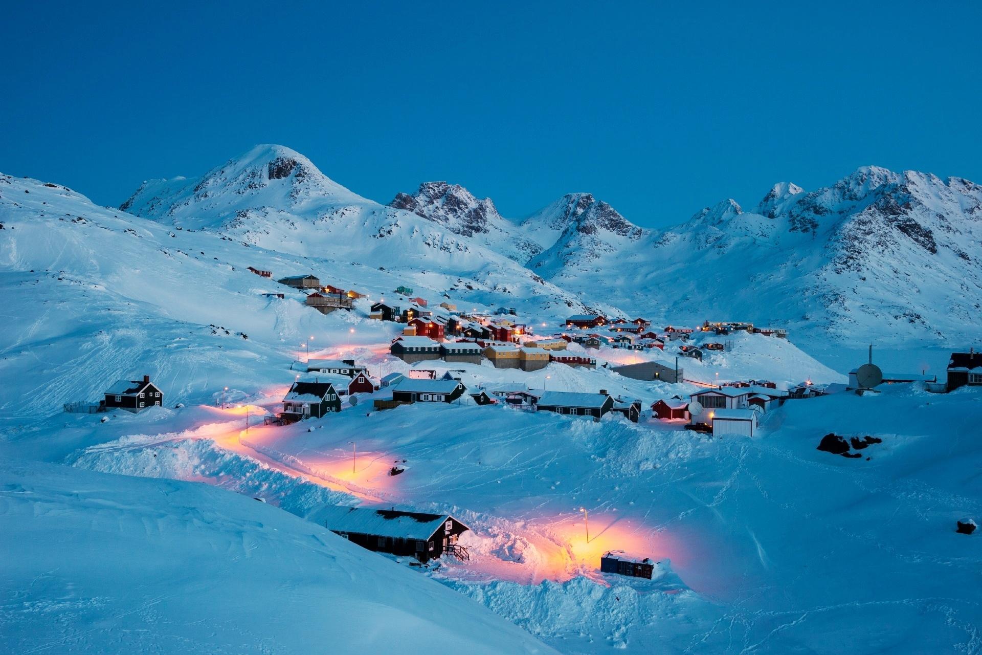 冬の早朝のタシーラク グリーンランド