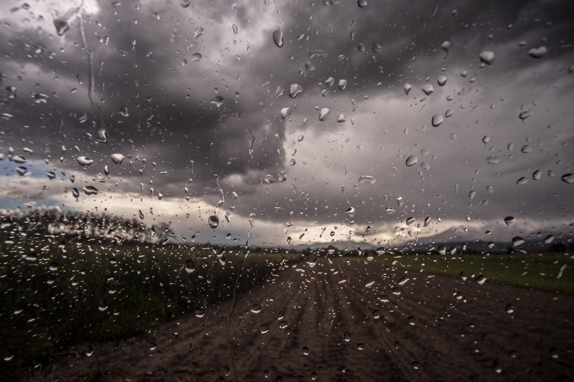 世界の雨の日の風景