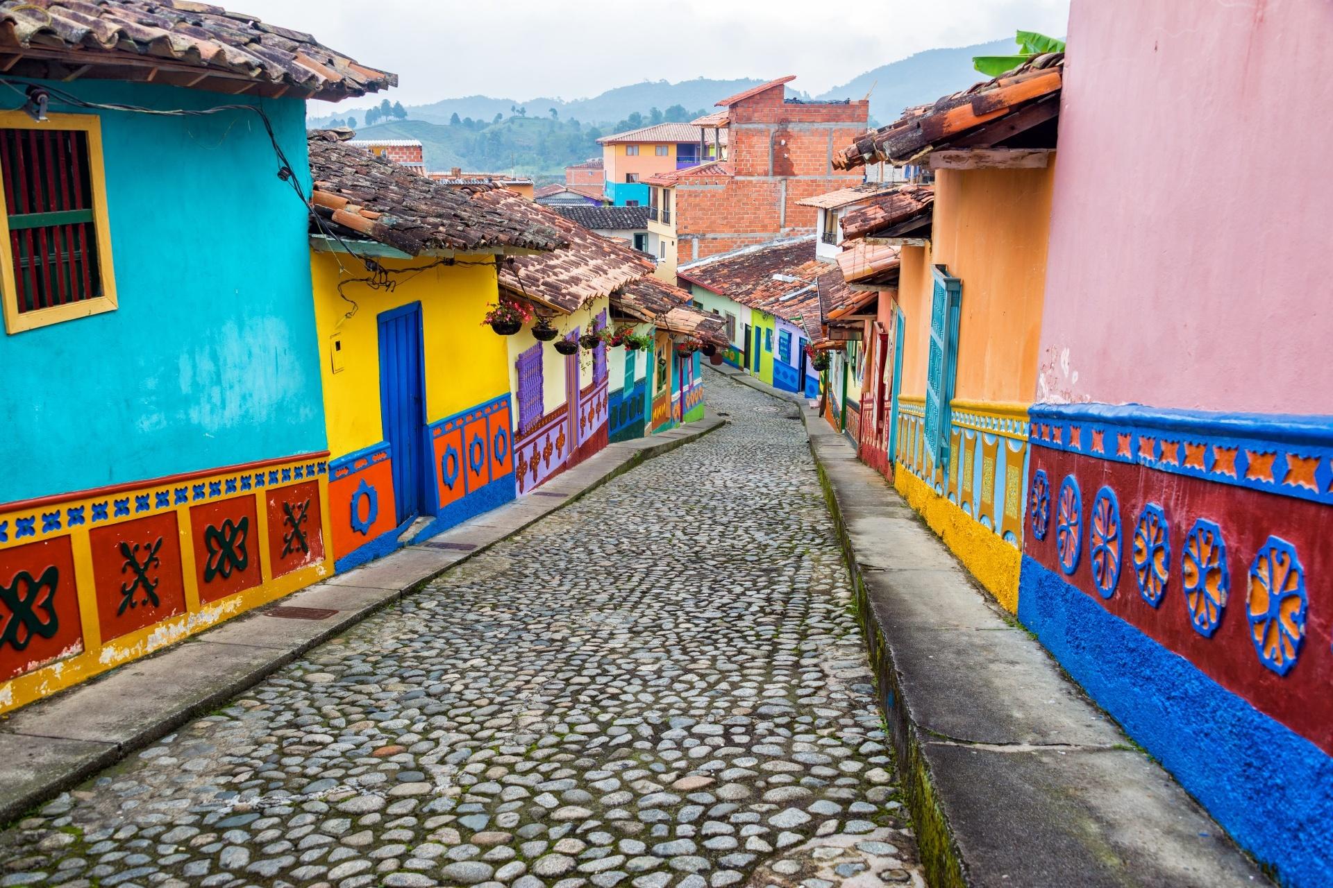 コロンビア グアタペの路地