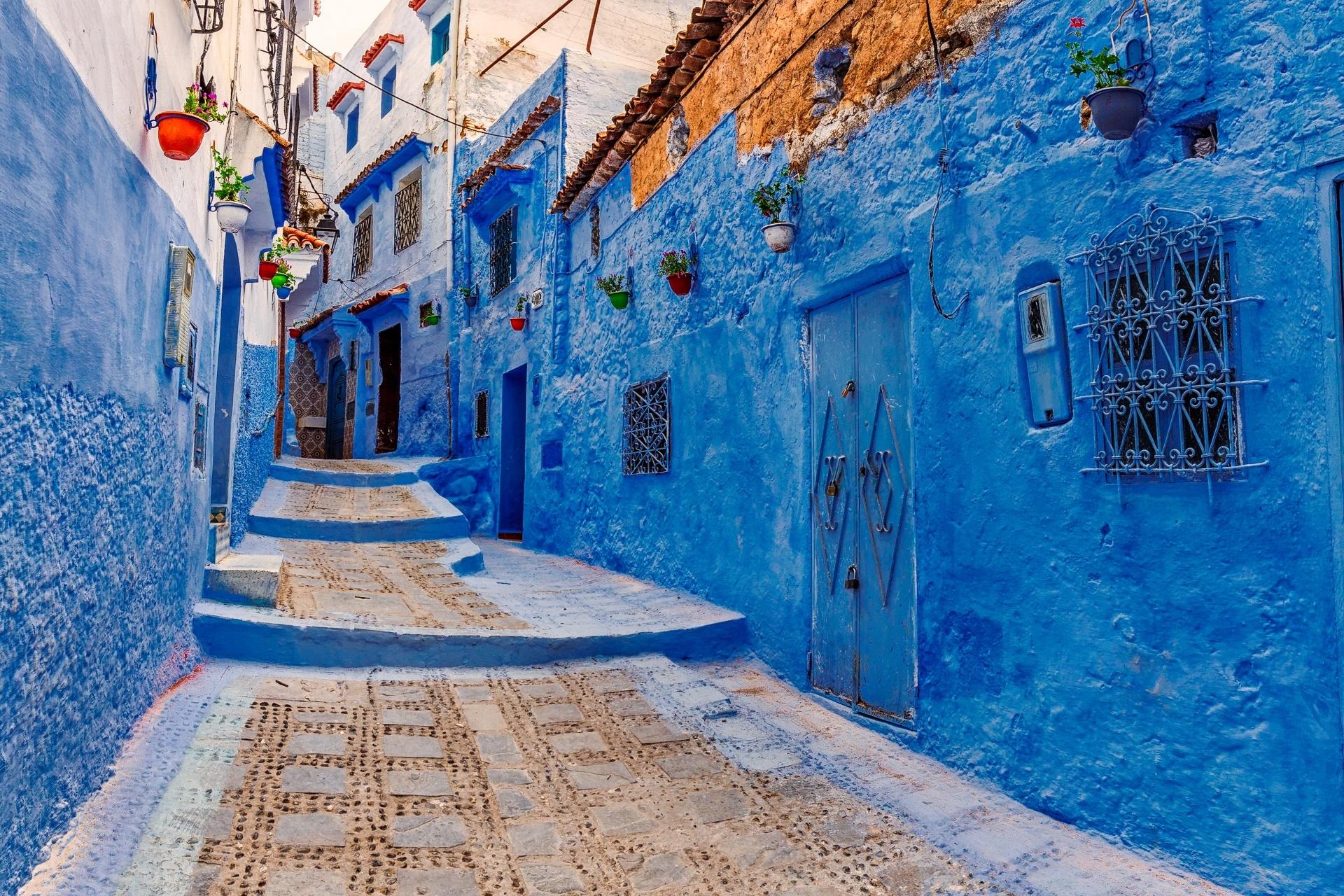 青の街「シャウエン」の路地の風景
