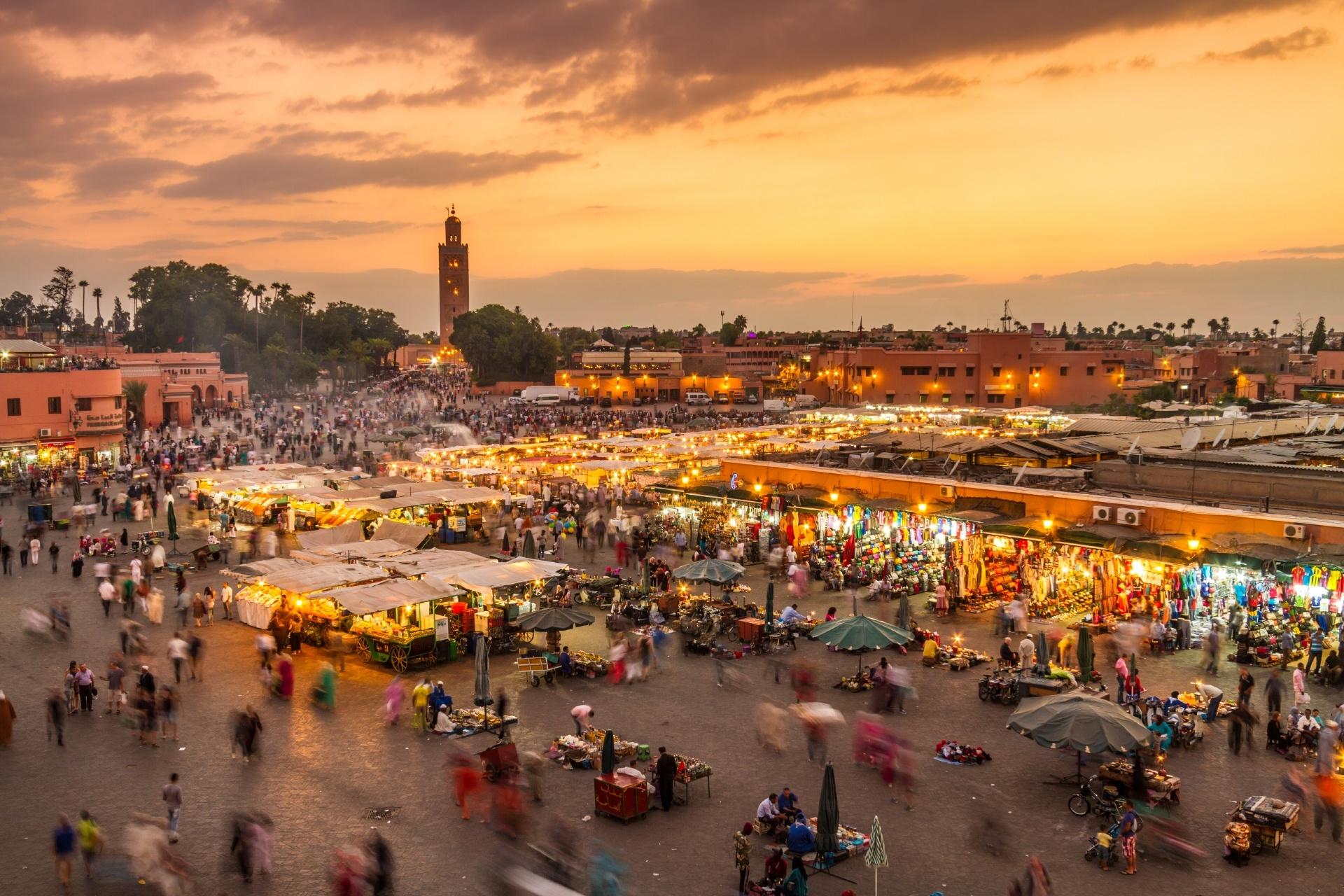 モロッコ・マラケシュのジャマ・エル・フナ広場