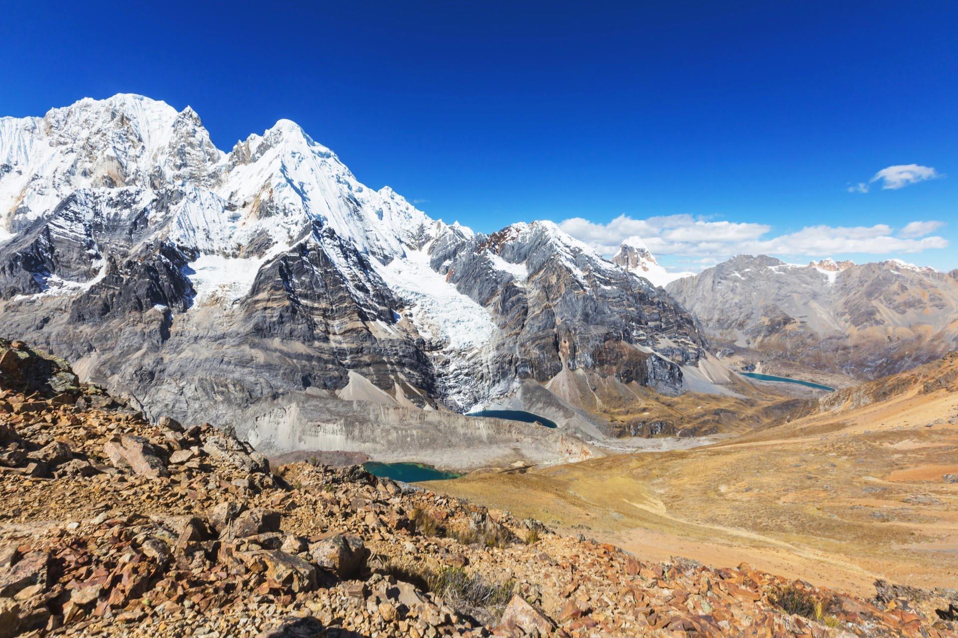 アンデス山脈ワイワッシュ山群 ペルー