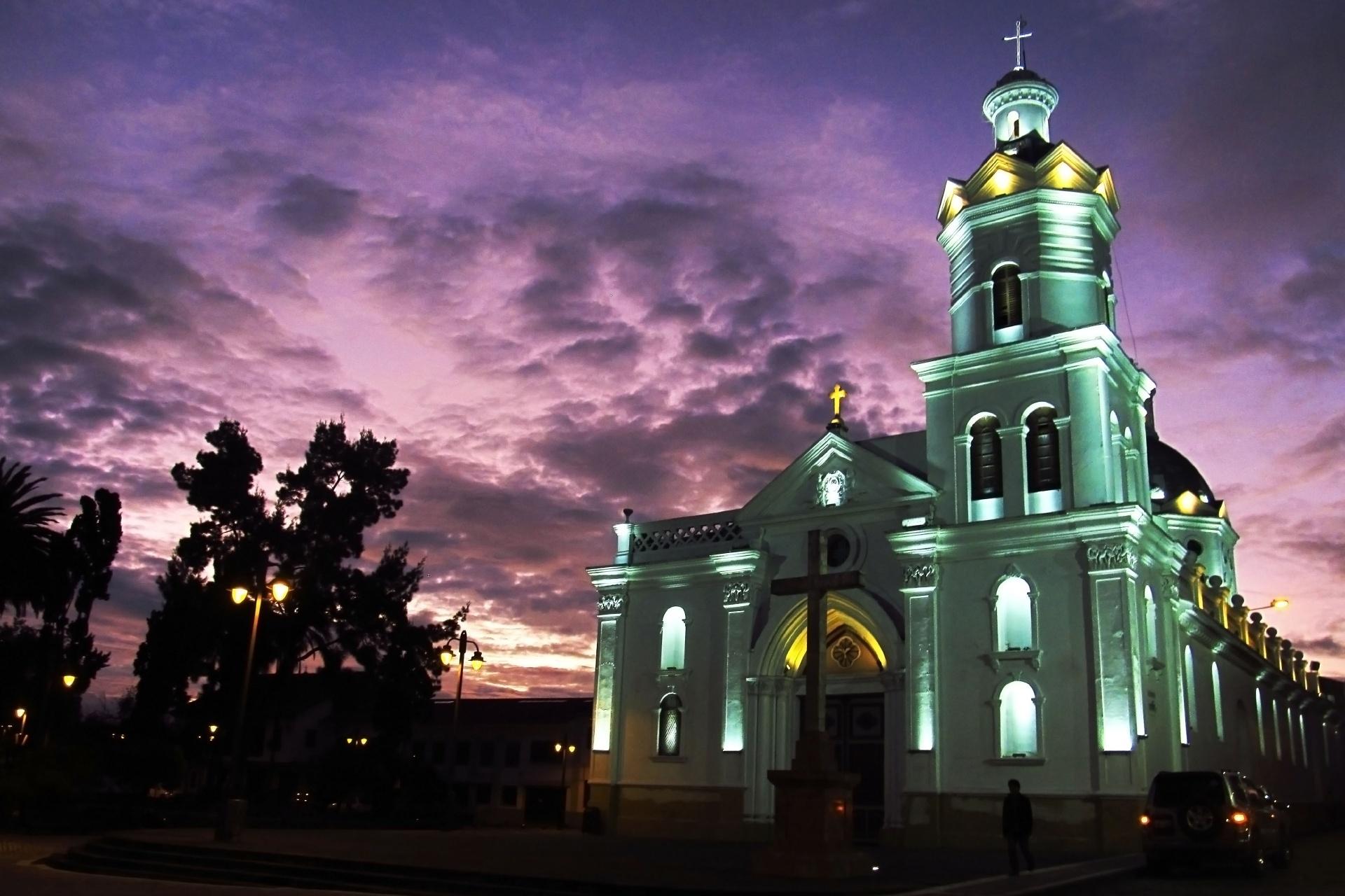 夕暮れのクエンカ エクアドルの風景