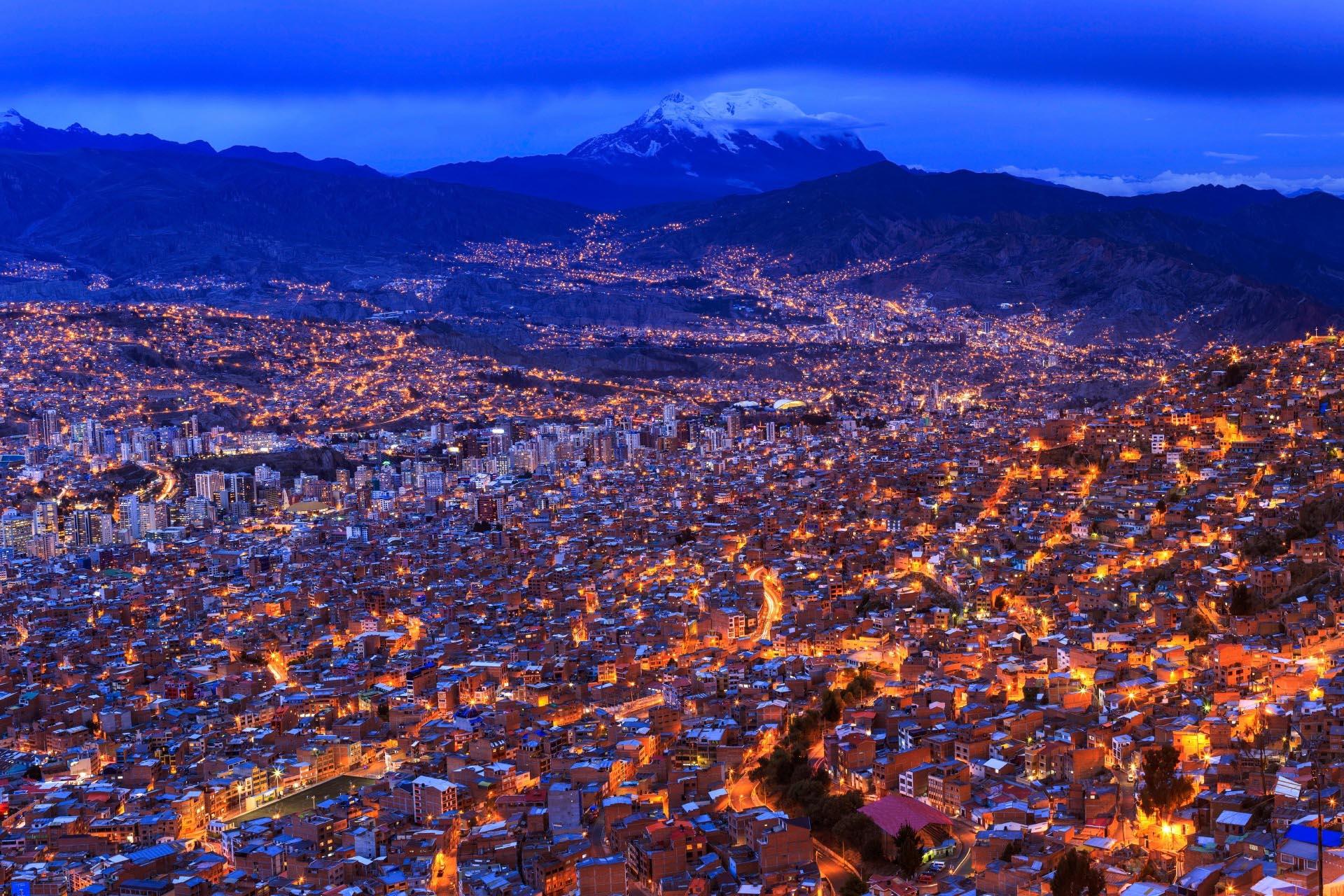 夜のラパス ボリビア