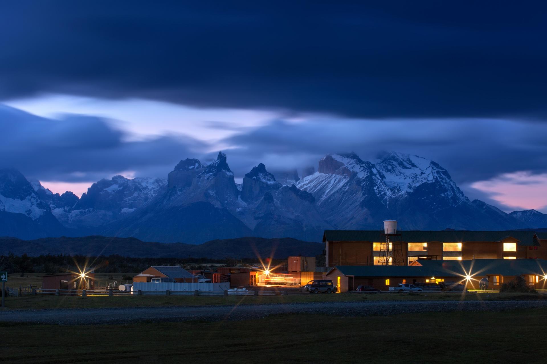 夜のトレス・デル・パイネ国立公園 パタゴニア チリ