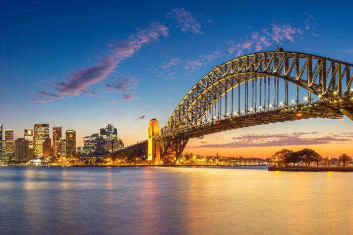 もし世界に橋が無かったらどれほど不便なことだろう 世界の都市と川 橋のある風景